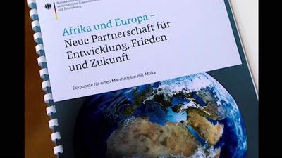 """""""Marshallplan"""" Afrika- mit Christin Bernold, Bündnis BoB (Bildung ohne Bundeswehr),"""